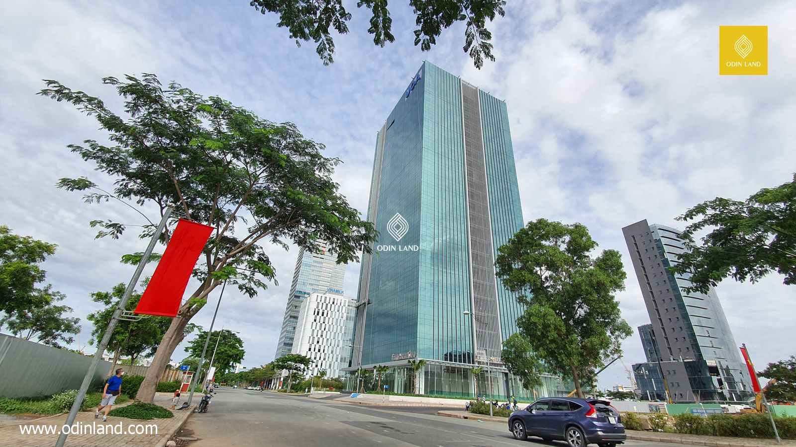 Office for lease at UOA Tower in District 7